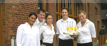 Servicekräfte vermittelt Ihnen der Studentenservice der Uni Bielefeld.