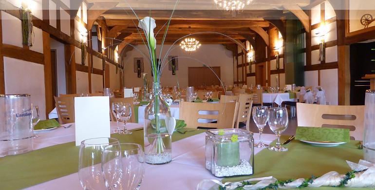 Tischdekoration Grün und weiss